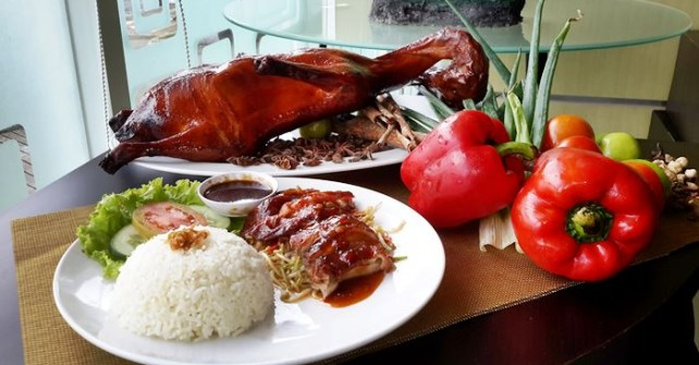 """Aromatic Duck"" Menu Special Hotel Brothers di Perayaan IMLEK"